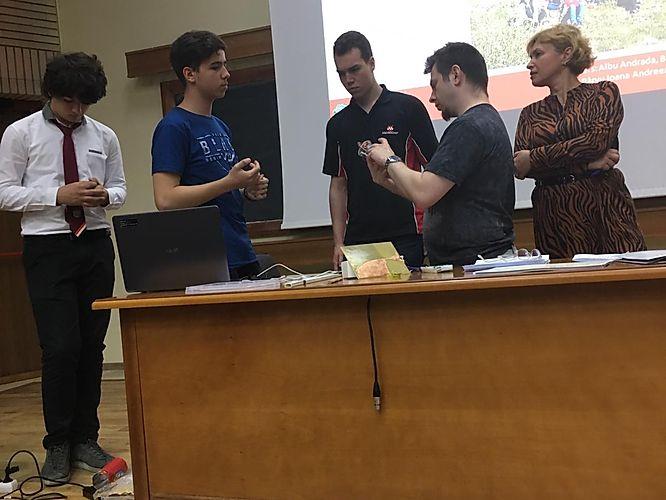 Concursul online de microcontrolere PICforAll